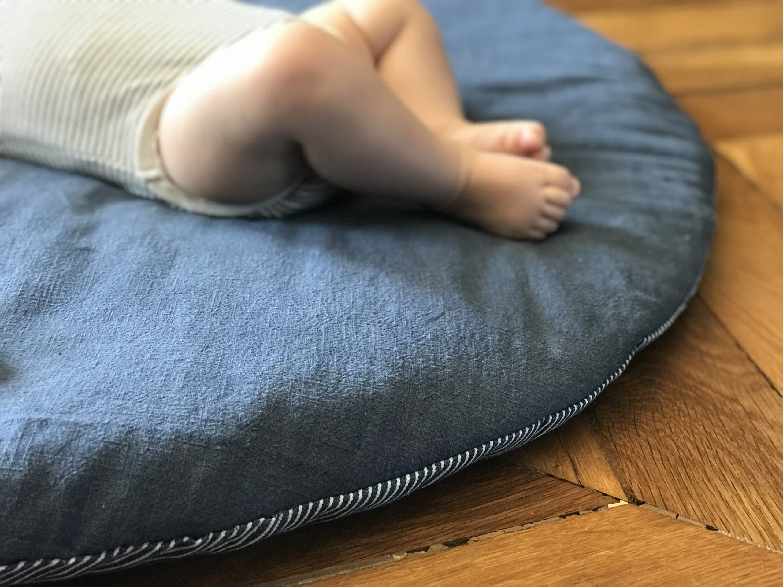 DIY apprendre à coudre un tapis d'éveil pour bébé