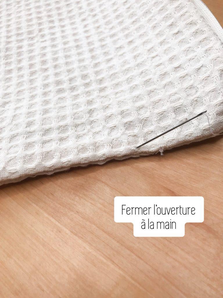 Réalisez ensuite une couture invisible à la main.